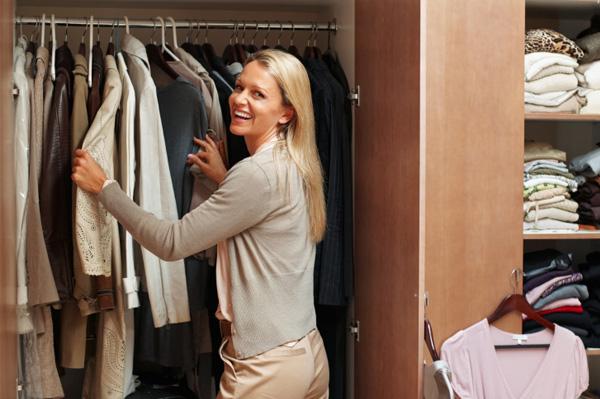 Dividir guarda roupa - mulher