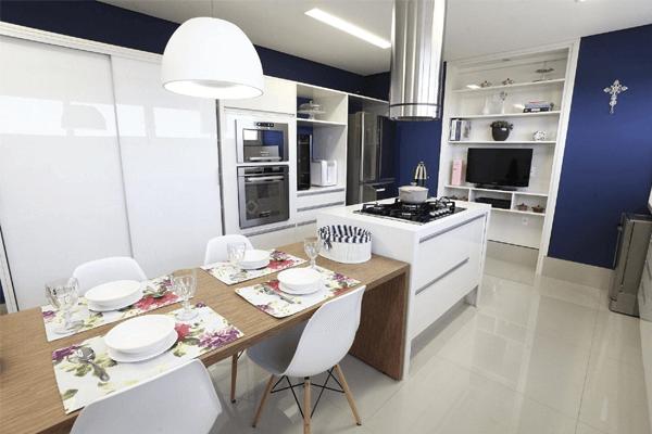 2 - Cozinha com espaço para mesa de jantar