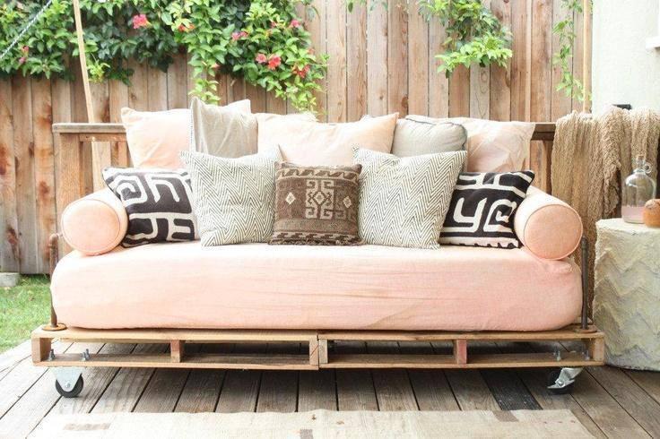 como fazer um sofá com pallets