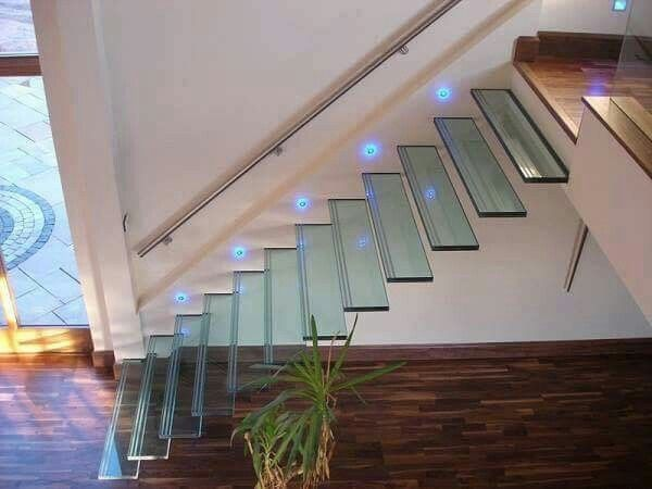 escada suspensa flutuante