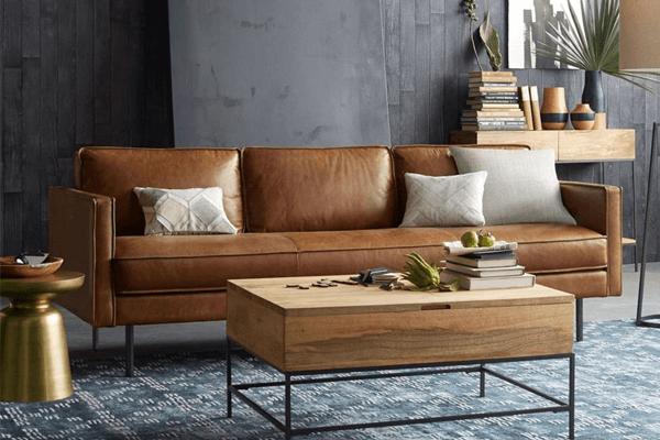 sofá tradicional de couro