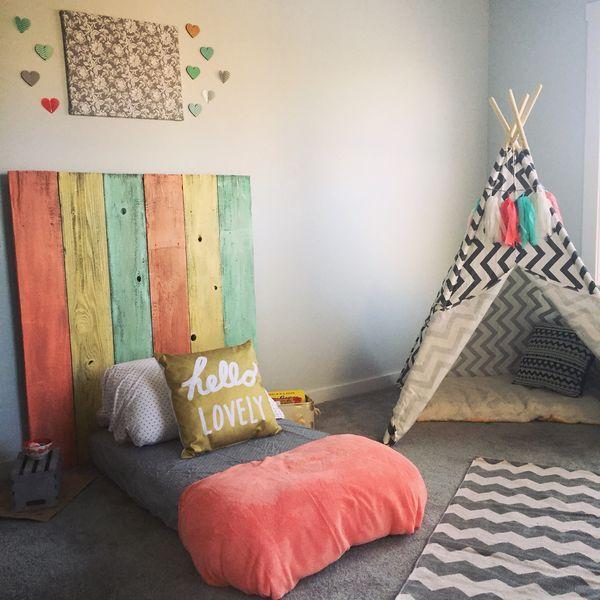 cama montessoriana e tenda