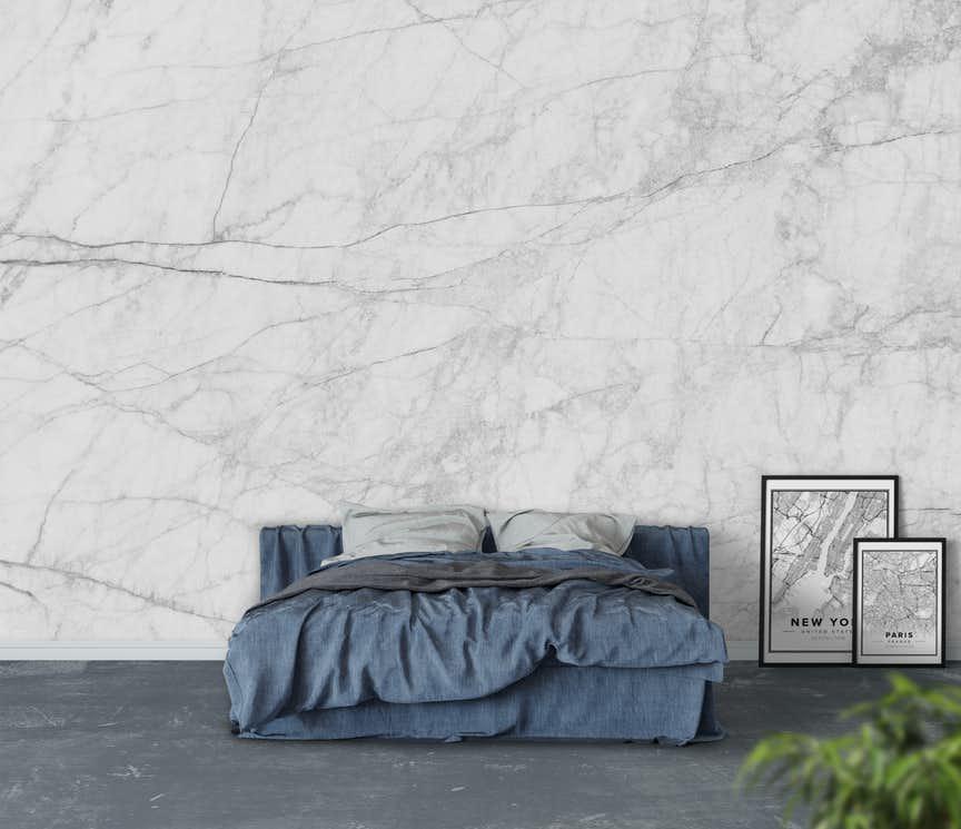 quarto com parede de mármore
