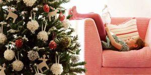 árvore de natal e crianças
