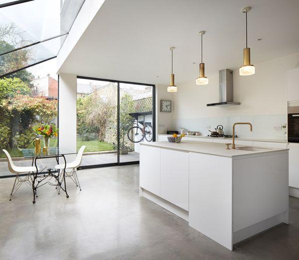 cozinha com paredes de vidro