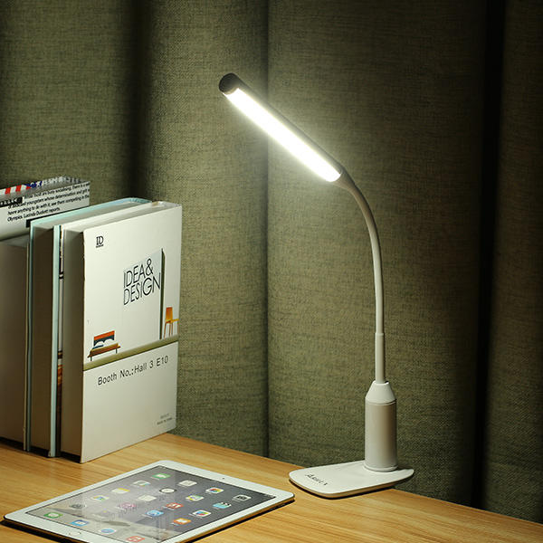 luminária de mesa com presilha