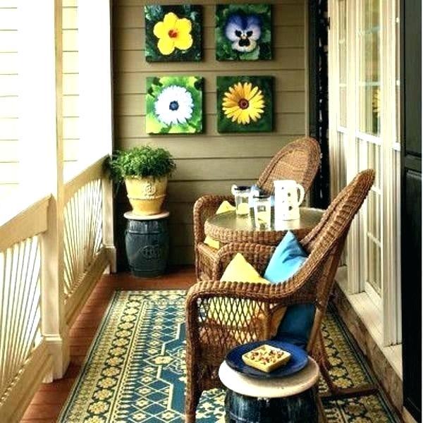 varanda com móveis naturais