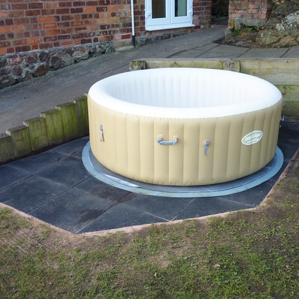 spa inflável em área externa