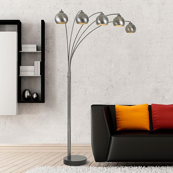 luminária de chão com cinco bocais