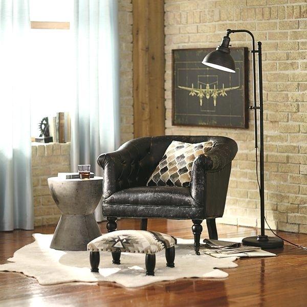 luminária de chão em sala de estar