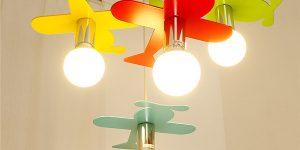 luminária infantil de teto formato de aviões