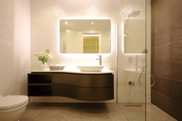 Espelho no banheiro: dicas de uso