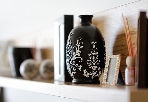 vaso preto e branco