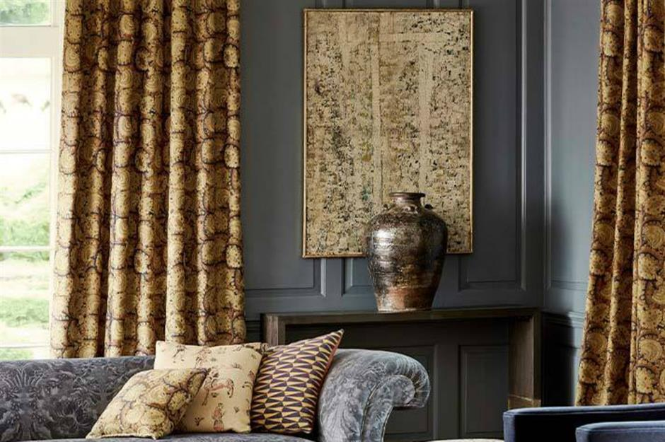 sala de estar com cortina estampada
