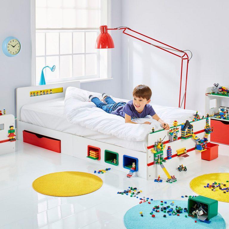 quarto infantil com brinquedos