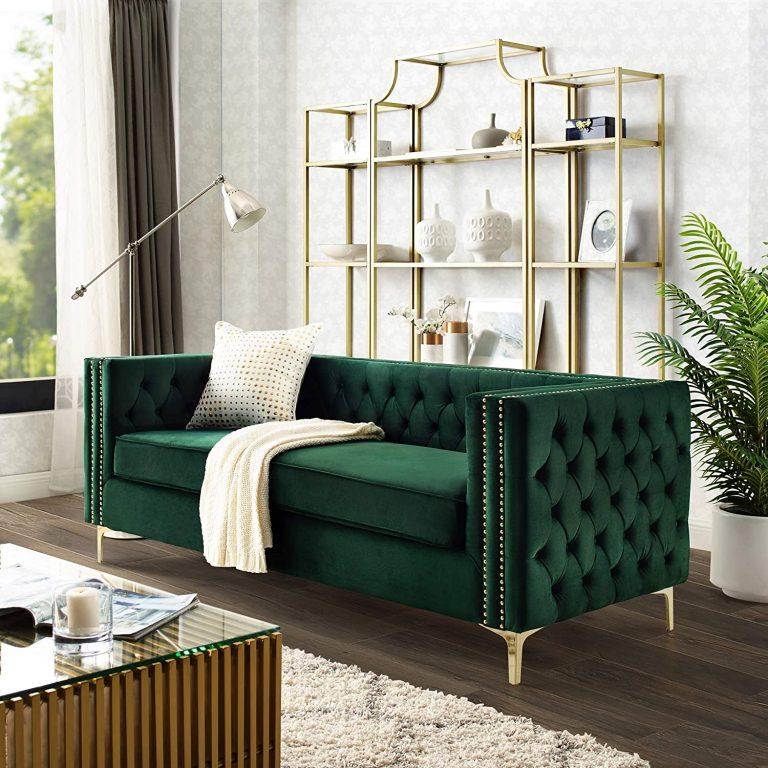 sofá verde em sala moderna