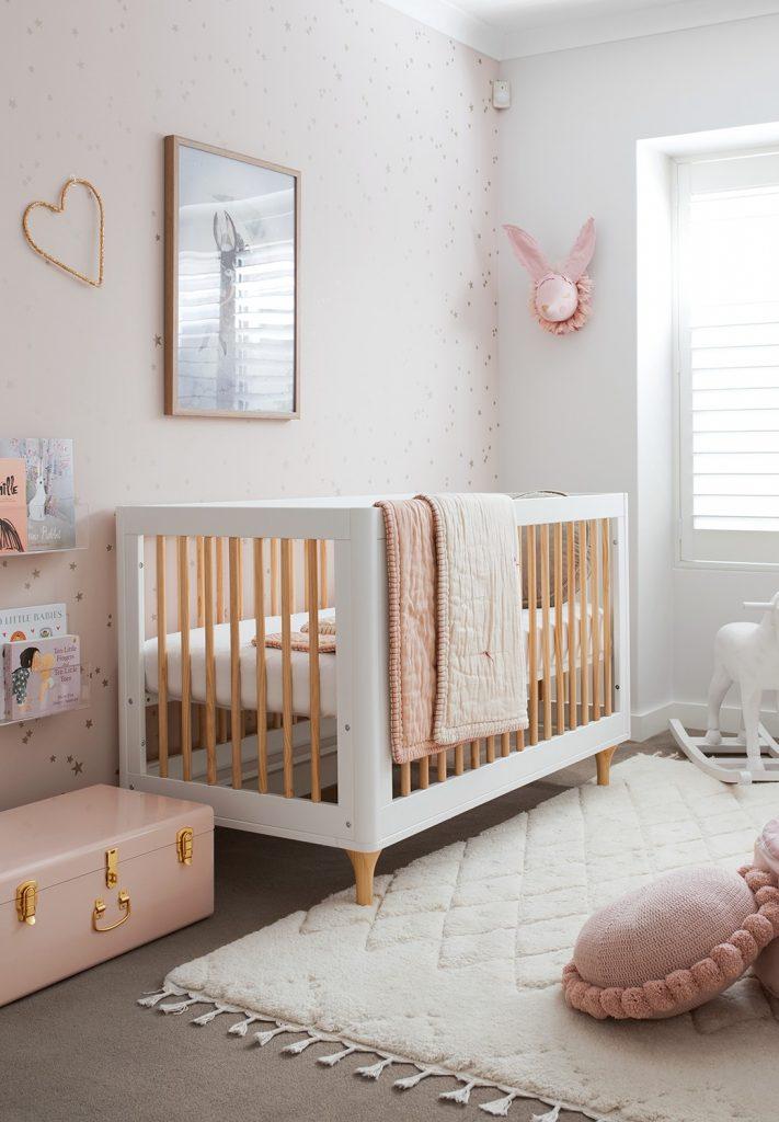 decoração simples para quarto de bebê