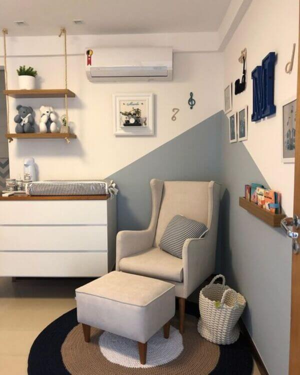 Poltrona moderna para quarto de bebê