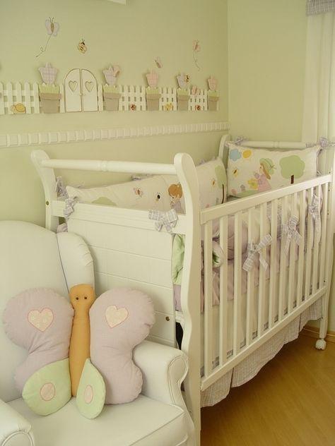 quarto de bebê com borboletas