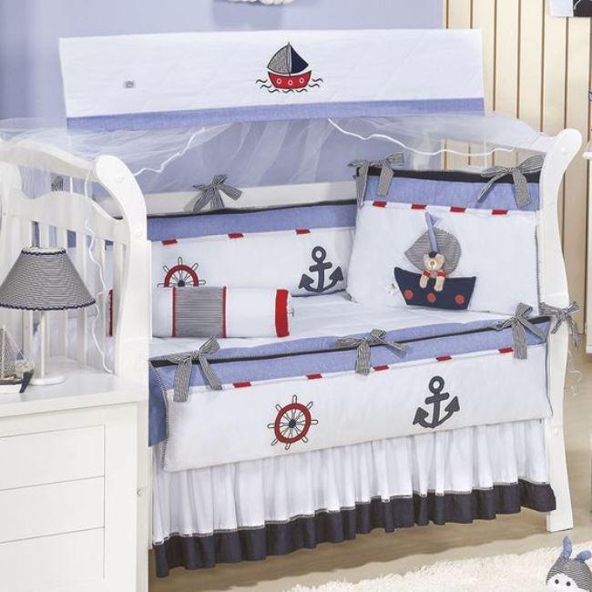 quarto de bebê com tema náutico