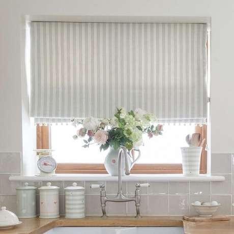 cortina branca em cozinha