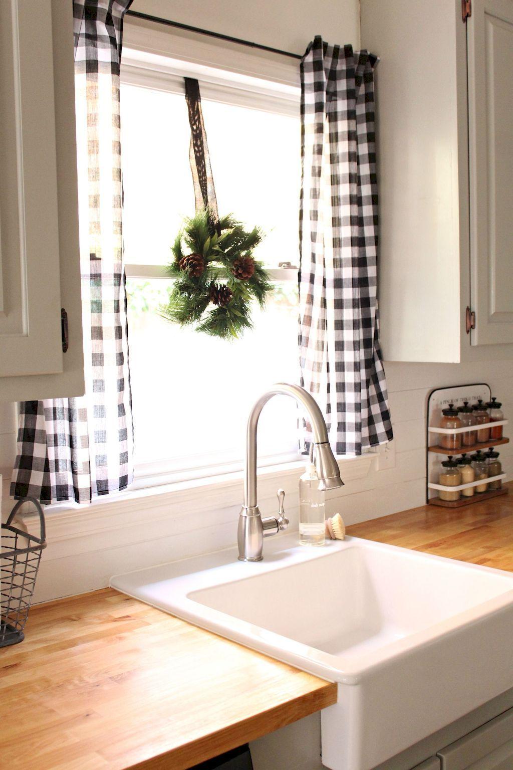 cortina xadrez em cozinha
