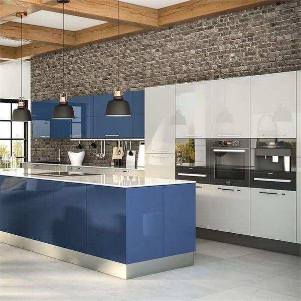 cozinha em azul e branco