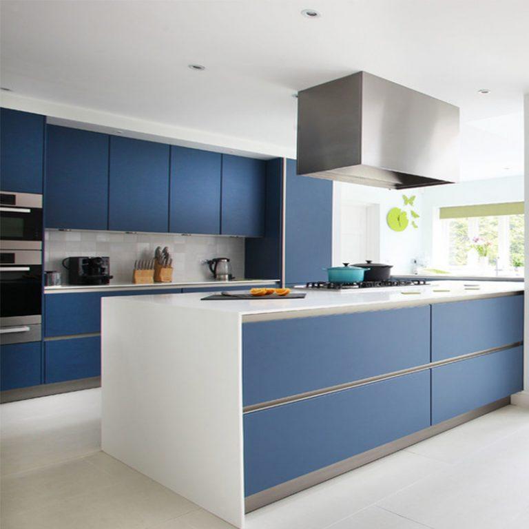 cozinha minimalista azul
