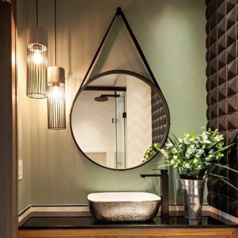 espelho com alça de couro