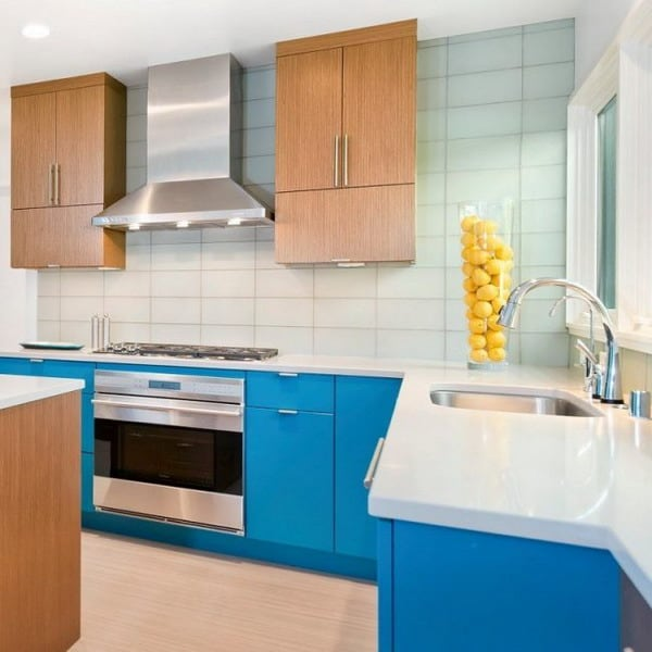 móveis de cozinha em azul