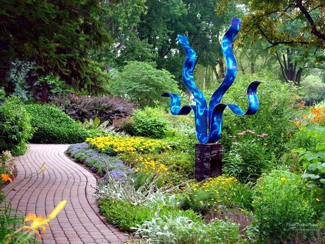 escultura em jardim grande
