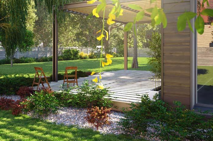 jardim grande e varanda