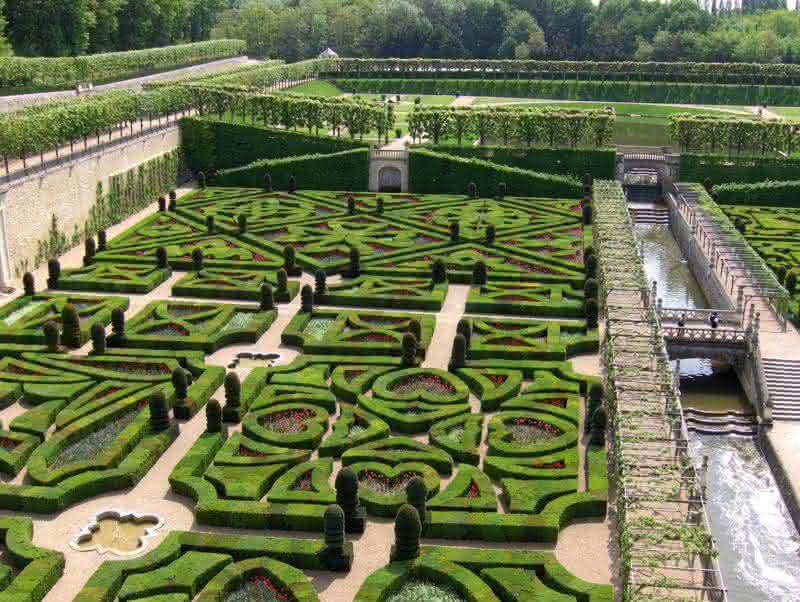 jardim grande estilo francês