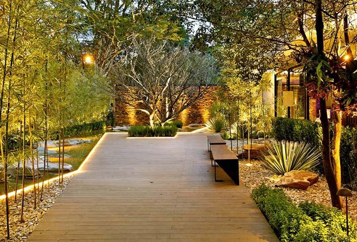 jardim grande iluminado