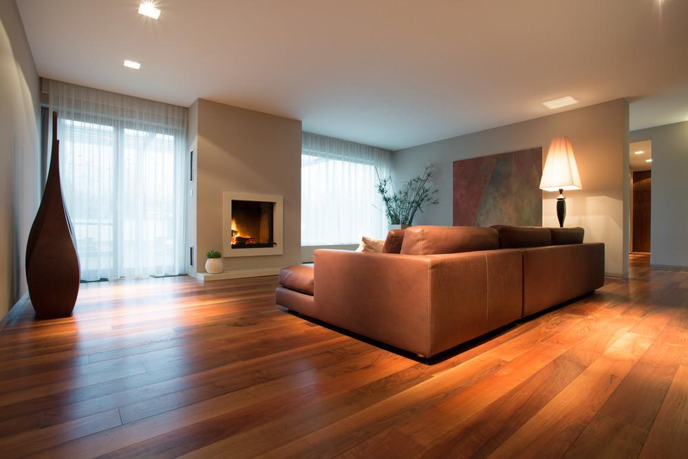 Piso de madeira na sala